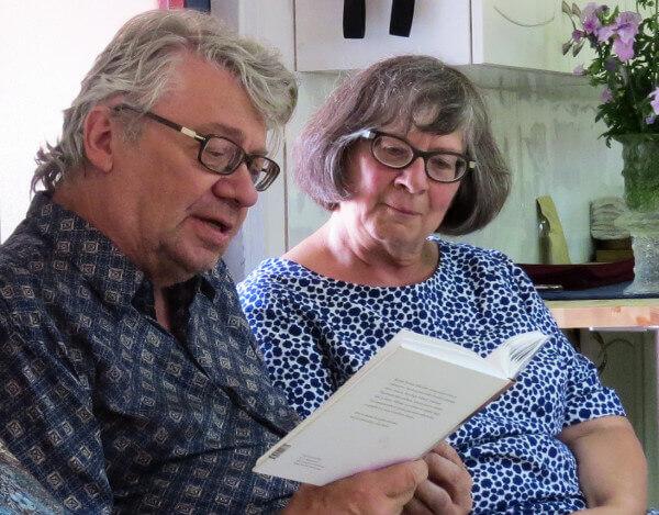 Reading a book aloud - copyright Quinn Dombrowski http://www.flickr.com/photos/quinnanya/